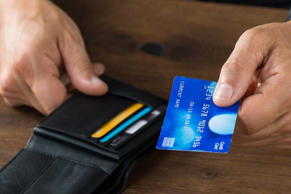 Things to keep in mind before taking a travel credit card